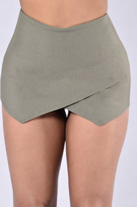 Pass The Mission Skirt - Olive