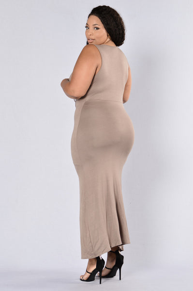 Award Winner Dress - Mocha
