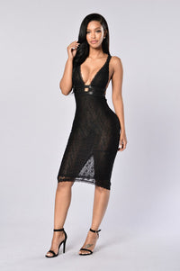 Get Lost With Me Dress - Black