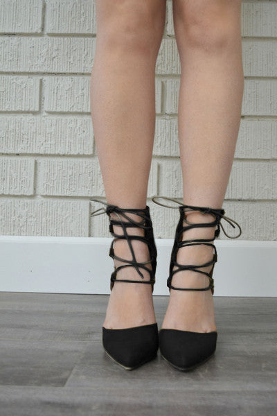 Demeanor Heel - Black
