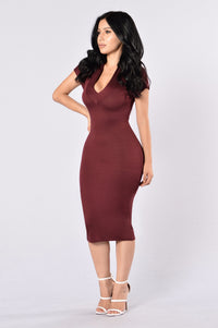 Breaking Necks Dress - Burgundy