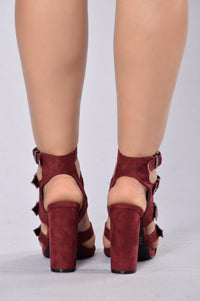 Raging Buckle Heel - Burgundy