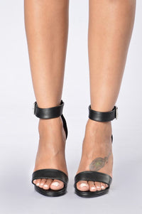 Clearly Stunning Heel - Black Angle 2