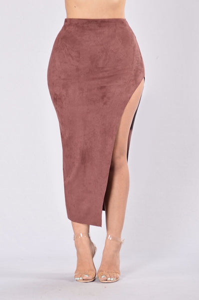Scandalous Skirt - Burgundy