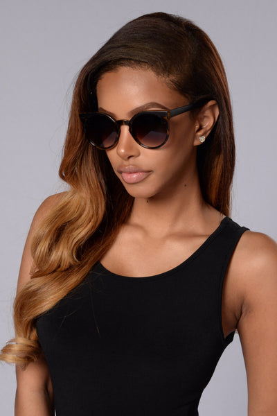 Throw Shade Sunglasses - Brown