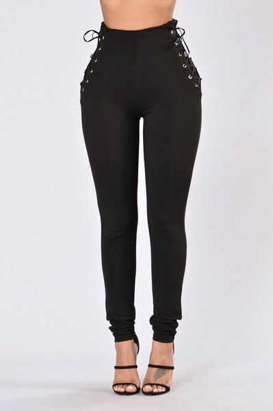 Turn And Pose Pants - Black