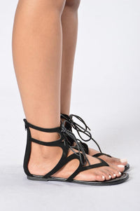 Twist & Shout Sandal - Black