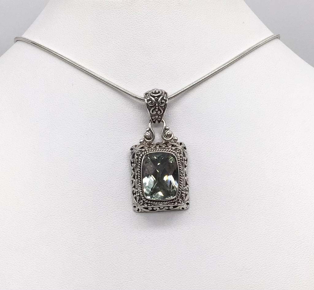 Sterling silver Green Amethyst necklace.