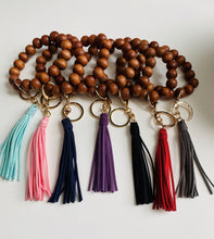 Load image into Gallery viewer, Wood Beaded Oversized Bracelet Keyring