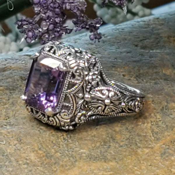 "Amethyst – the ""Healing"" properties of this beautiful gemstone!"