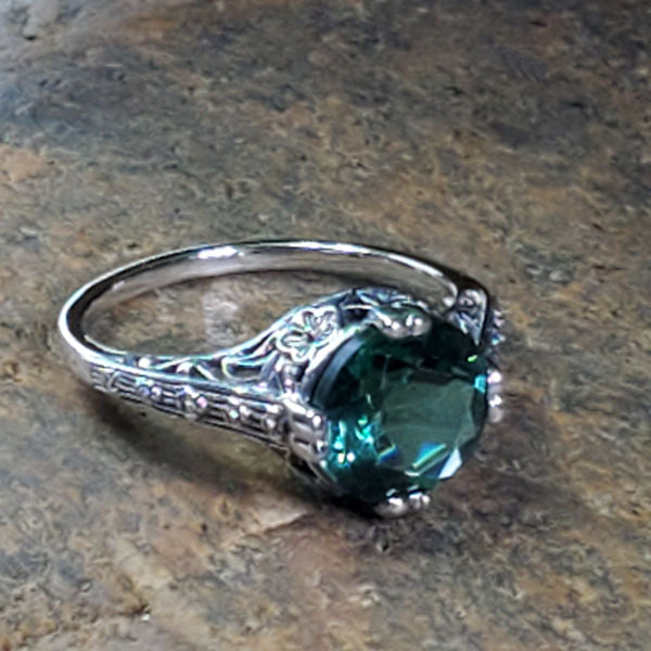 925 Sterling Silver Antique Style 2.5 Carat Emerald Green Quartz Filigree Ring #30756