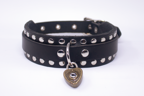 RIVET HEART LOCK COLLAR