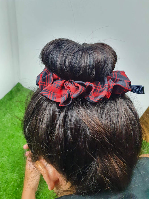 Bosco & Co Scrunchie: Black & Red Tartan