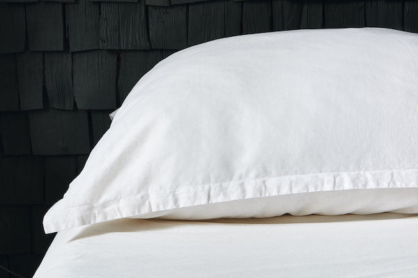 Nimbus pillow and linen oxford-edge cover