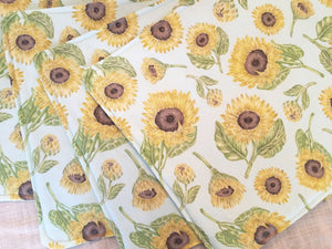 Sunflower pattern place mats - Thanksgiving decor and table linens