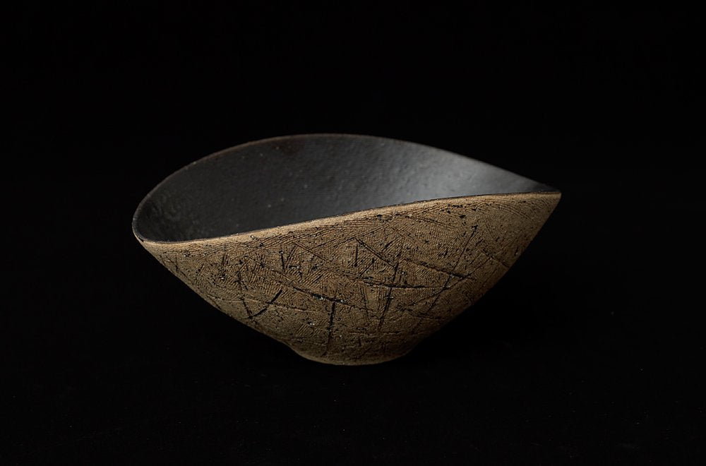Conical bowl KAKIOTOSHI