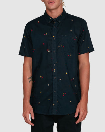 BILLABONG SUNDAYS MINI SS 9503203-MID SHIRT SHORT SLEEVE (M)