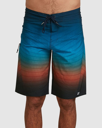 BILLABONG FLUID PRO 9503406-8BM BOARDSHORT (M)