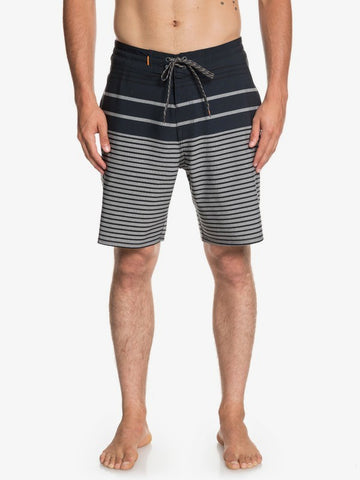 Quiksilver EQMBS03054-KNY6 Boardshort (M)