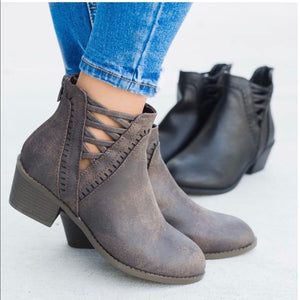 Brown Cross Cross Chic bootie