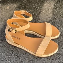 Load image into Gallery viewer, TACOMA ESPADRILLE SANDALS NATURAL