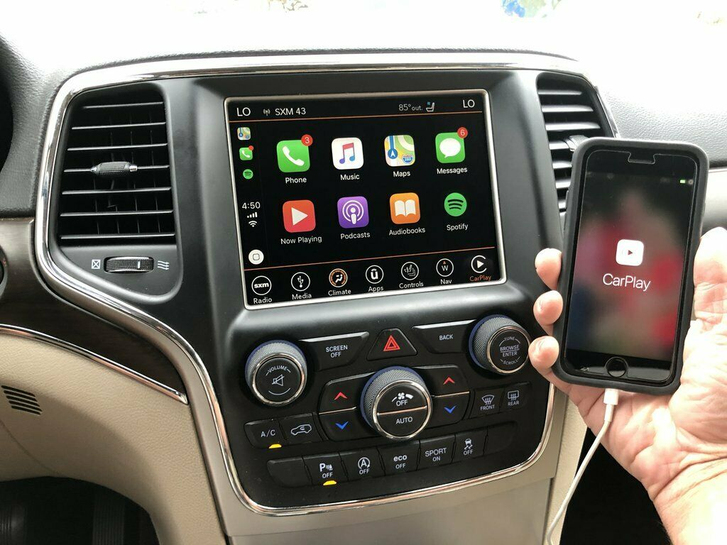 apple carplay Jeep Cherokee