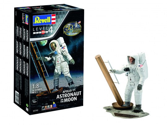 Revell 03702 Gift Set - Apollo 11 Astronaut on the Moon