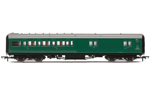 Hornby R4840 BR  Maunsell Corridor Four Compartment Brake Second  S3232S 'Set 399' - Era 5