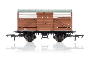 Hornby R6840 Dia.1530 Cattle Wagon  British Railways 552345 - Era 4
