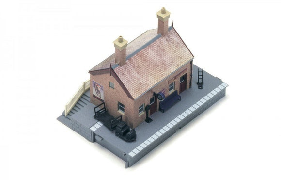 Hornby R8001 Waiting Room
