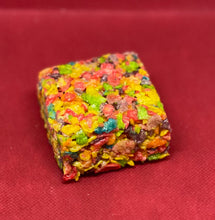Load image into Gallery viewer, Green Soup Cereal Bars, 75, 100, 200mg THC