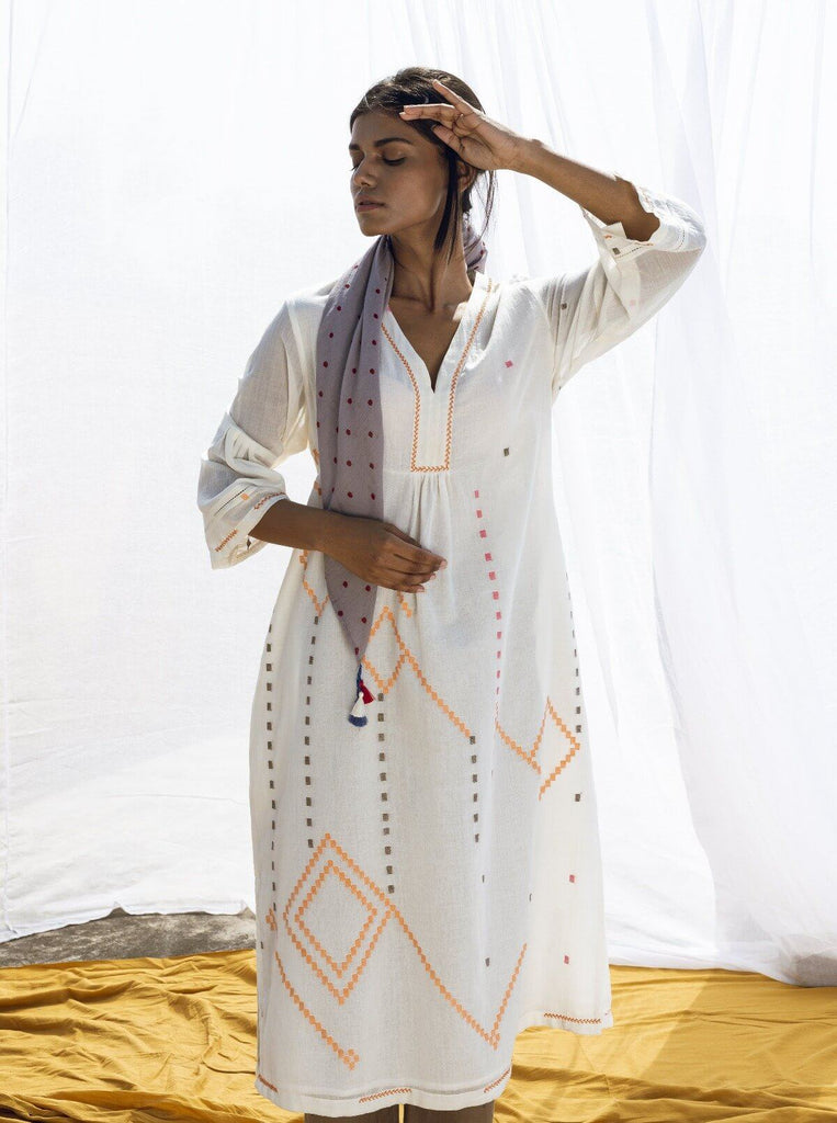 Sky V-Neck Kurta in Khadi Jamdani in Off White