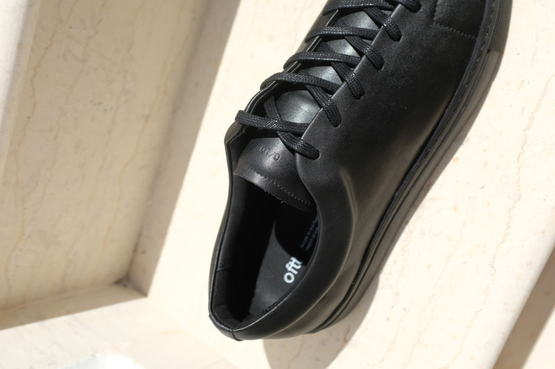 oftt - 00 - vegan trainers black -natural rubber sole, organic cotton shoe laces and recycled foam insole