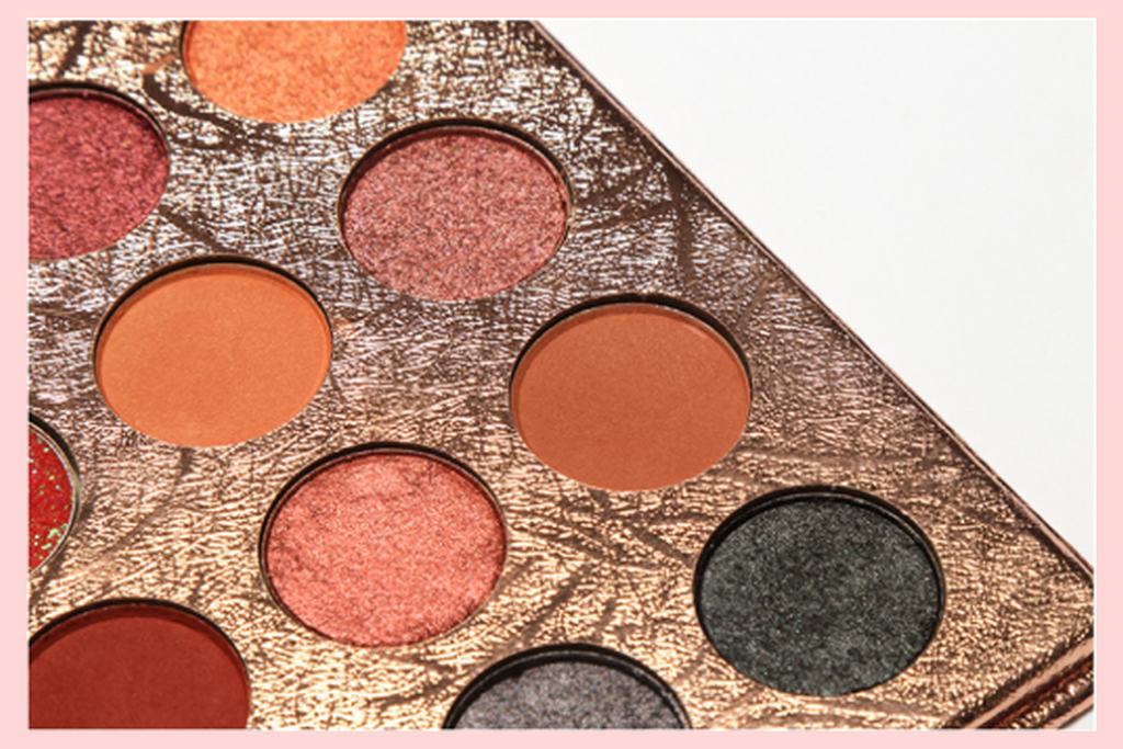 35 Colours Mashed Eyeshadow Palette | Equinox Outlet