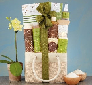 COCONUT PEAR SPA ASSORTMENT BASKET