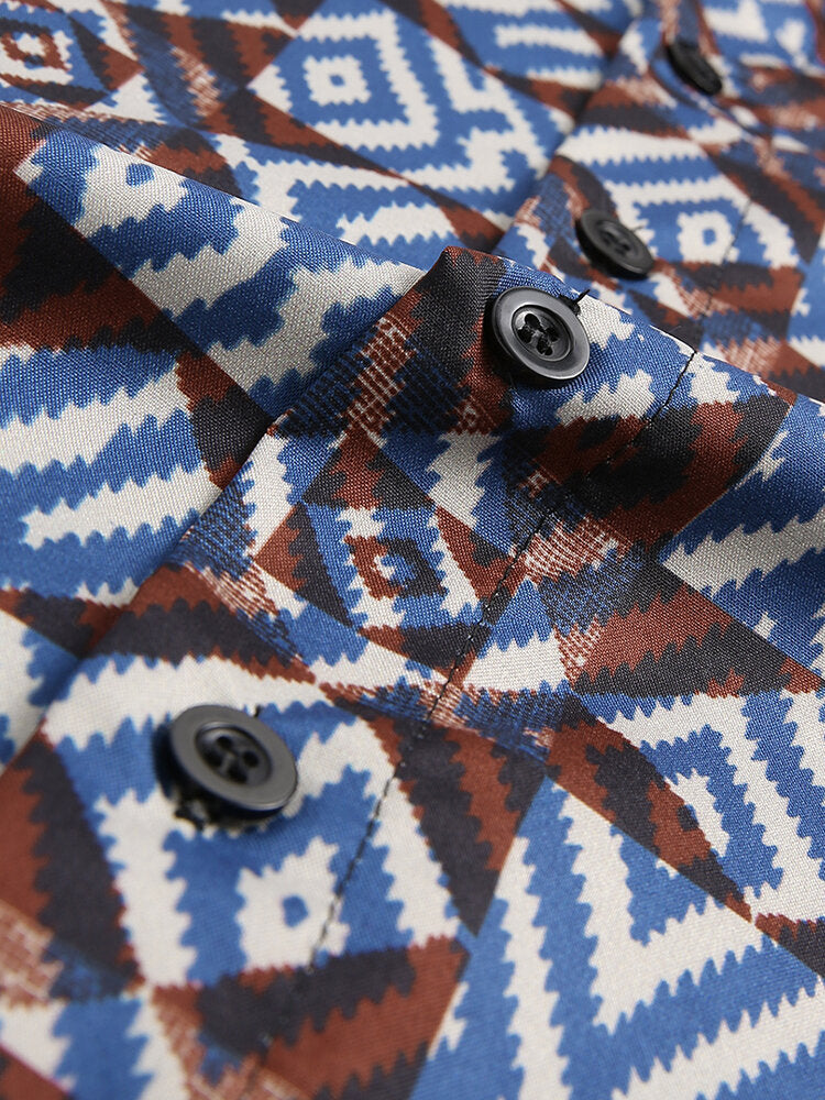 Men Short Sleeves Lapel Geometric Printed Shirt