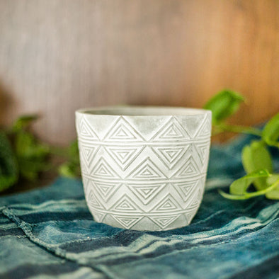 "4"" White ""Aztec"" Pot"