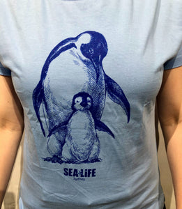 SEA LIFE Sydney Penguin & Baby Ladies t-shirt Sky Blue