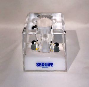 SEA LIFE Sydney Pen Holder Penguins White Liquid