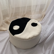 Afbeelding in Gallery-weergave laden, Bodhi Pillow YinYang LIMITED EDITION