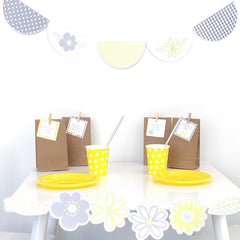 Daisy Chains Party Decor - The Printable Place