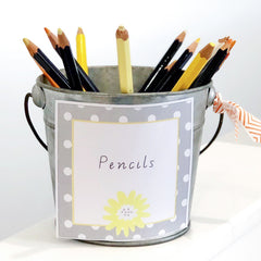 Daisy Chains Label on a tin of pencils - The Printable Place