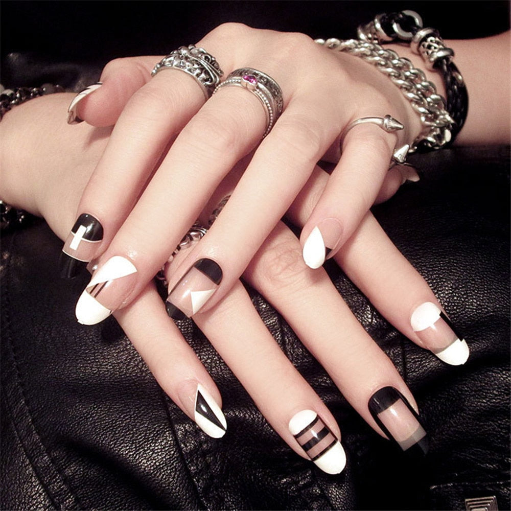 24Pcs Cute Simple Black White Geometry Lattice Artificial Nail Tips with Glue Sticker