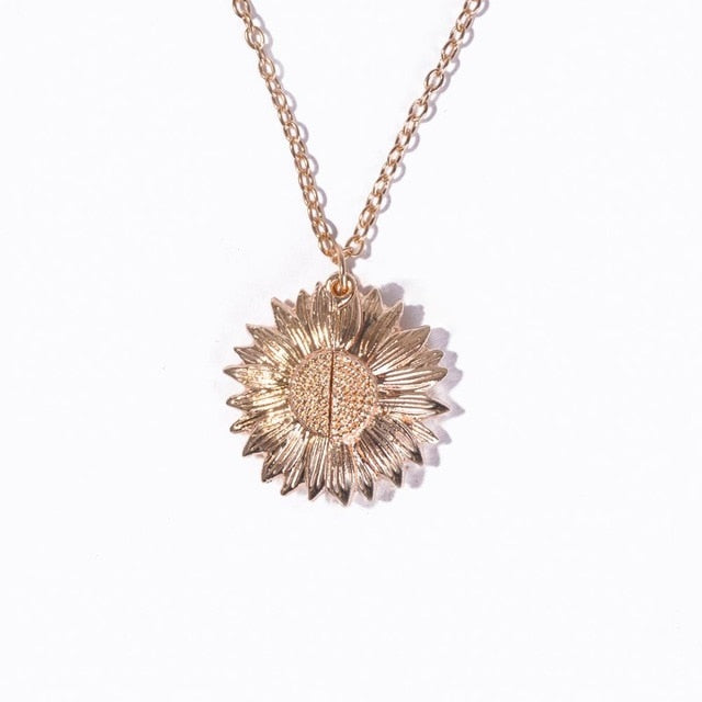 Fashion Vintage Rose Necklace Pendant Long Chain