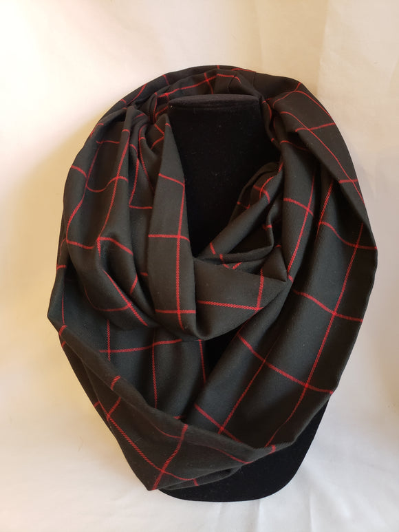 Medium-weight Infinity Scarf in Black & Red