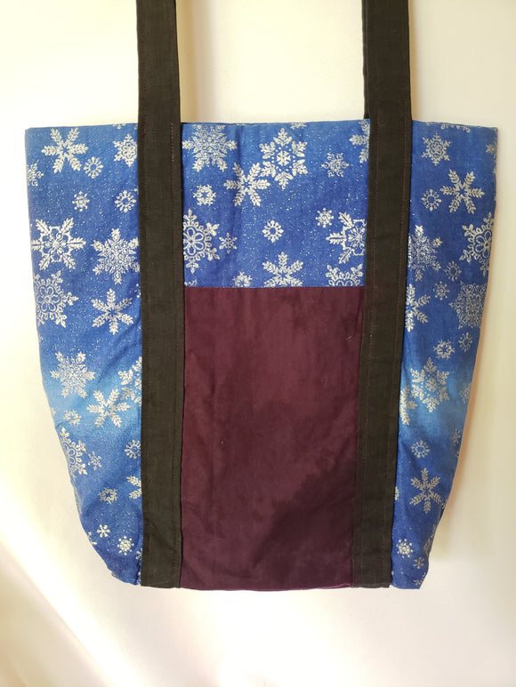 Silver Snowflakes Deluxe Tote Bag