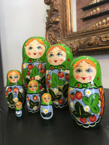 Matriochka 7 pieces / Матрешка Россияночка 7 кукол 16 см