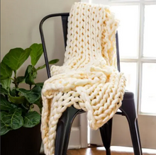 Load image into Gallery viewer, Chunky Knit Throw Cream