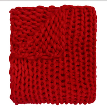 Load image into Gallery viewer, Chunky Knit Throw Red