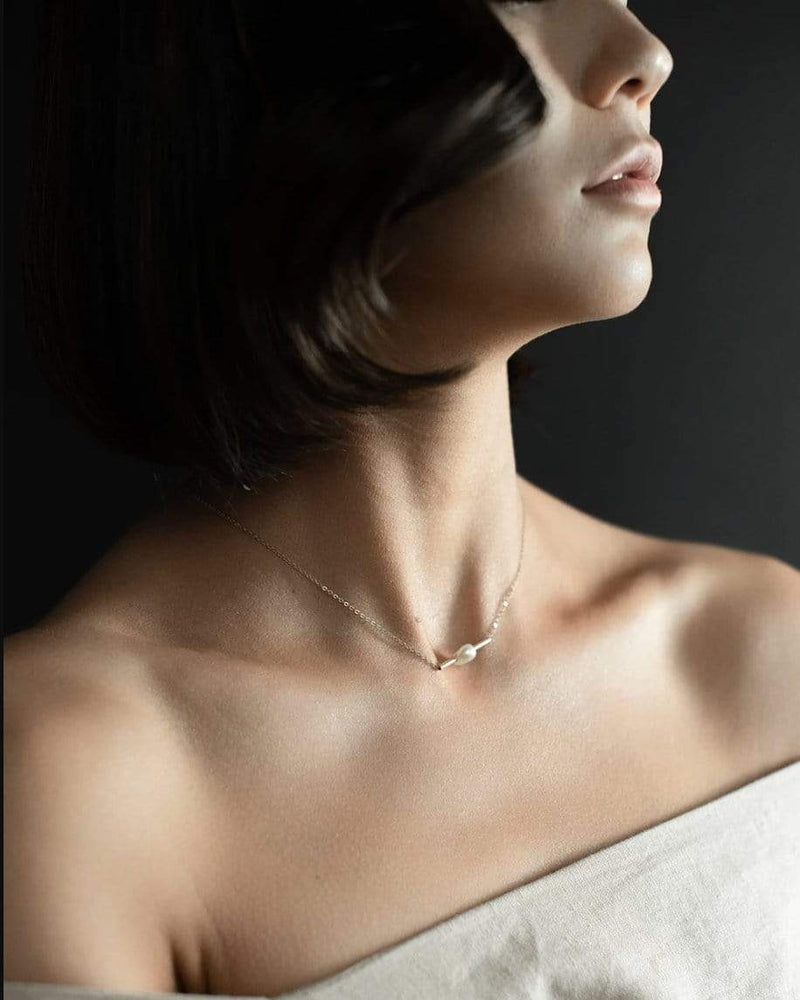 Organic Baroque Pearl Bar Necklace